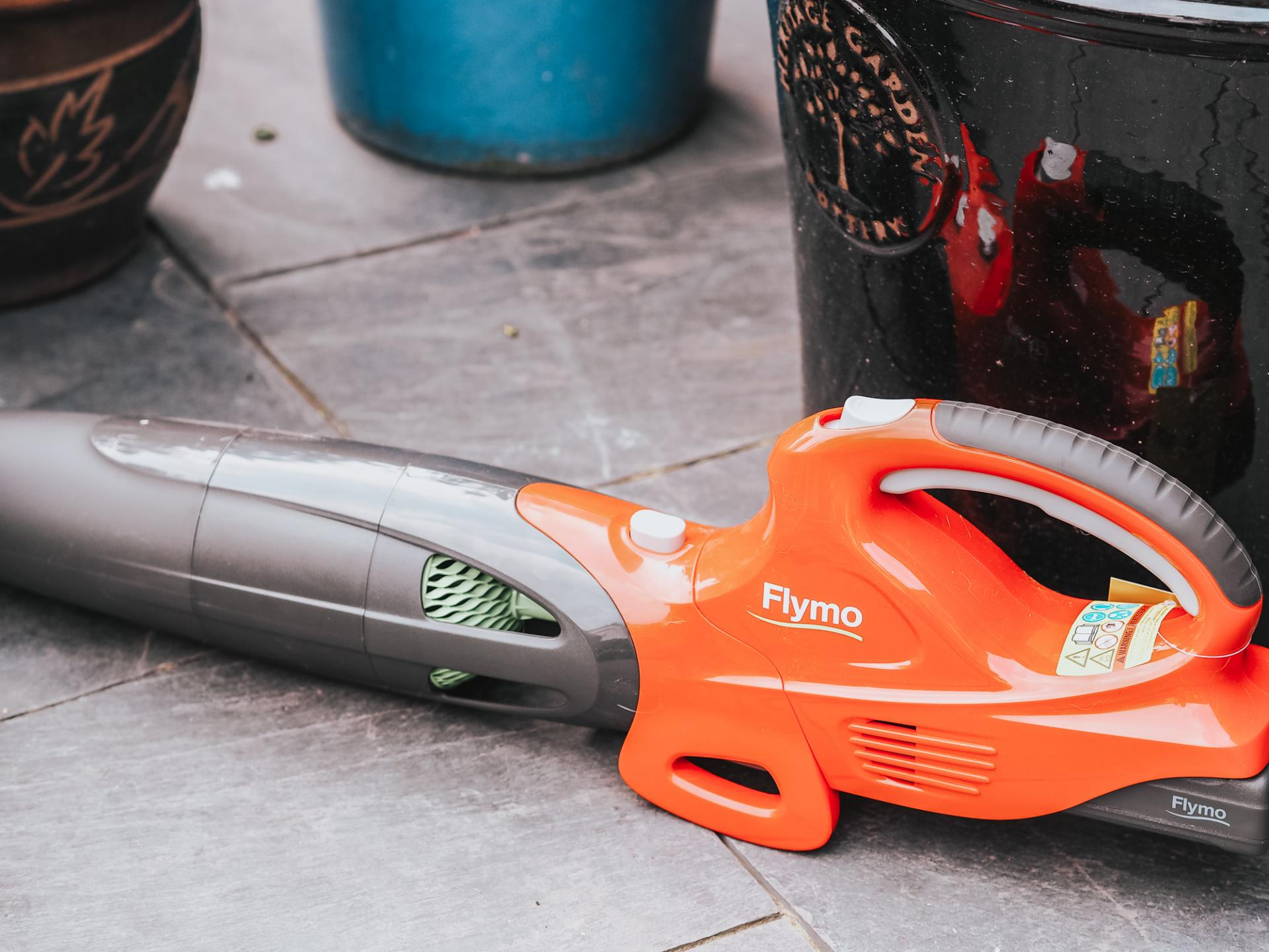 Flymo leaf blower review from blogger Bunnipunch